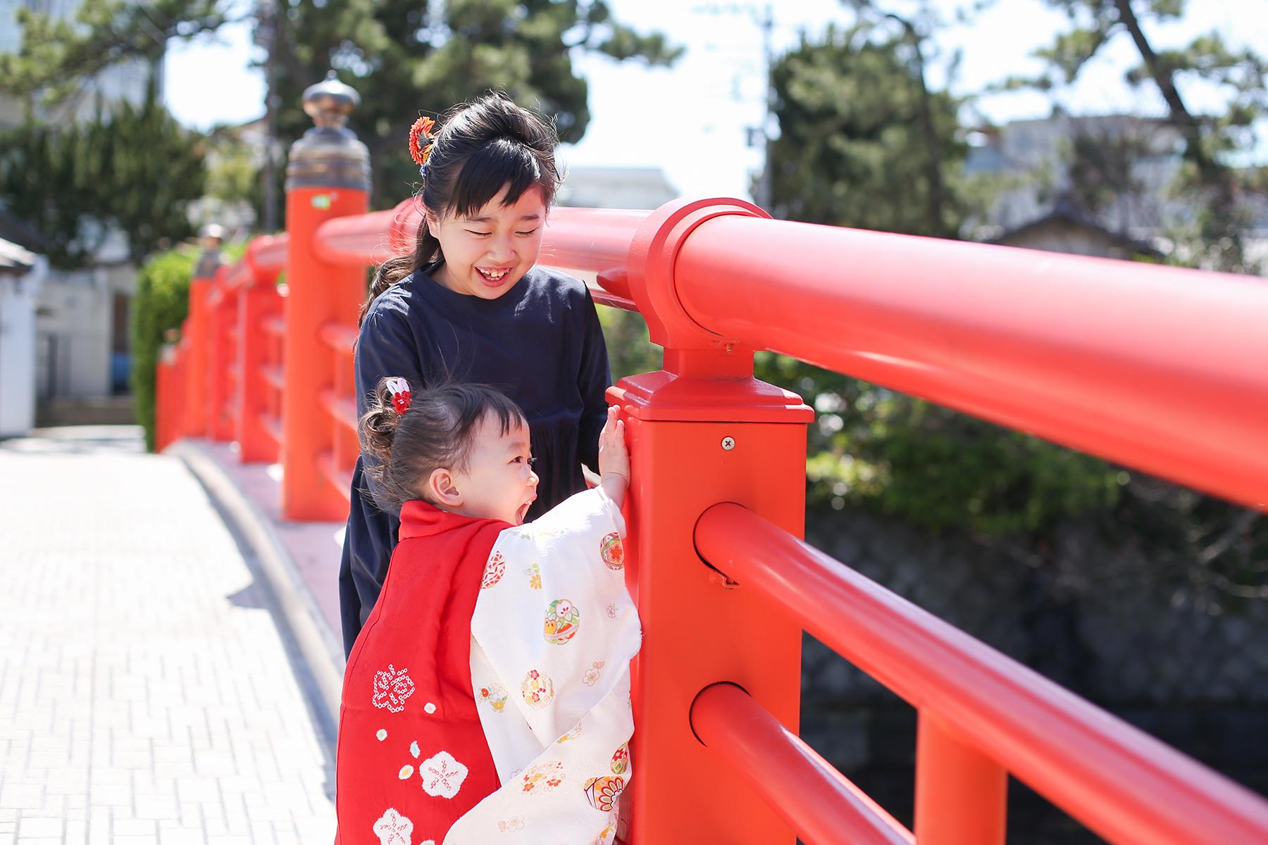 森戸神社の赤い橋
