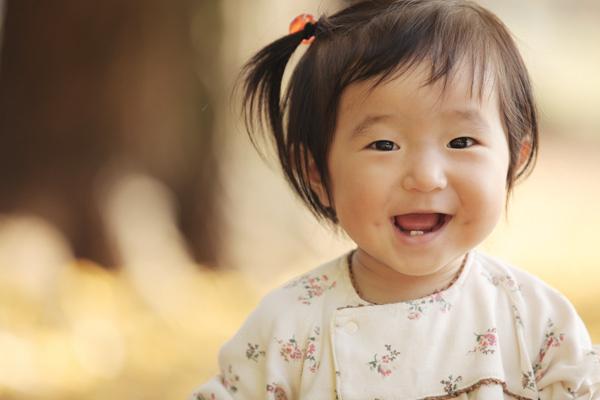 女の子のポートレート 顔のアップ写真