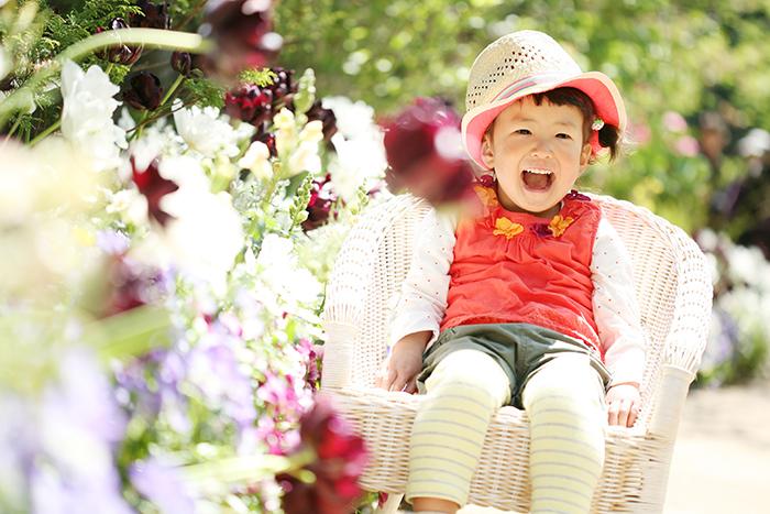 出張撮影KidsPhotoのブログ-可愛い椅子でこども写真