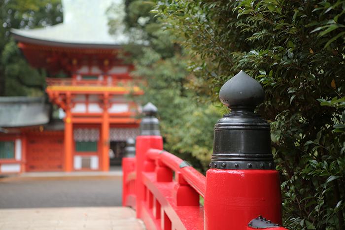 大宮氷川神社の赤い橋