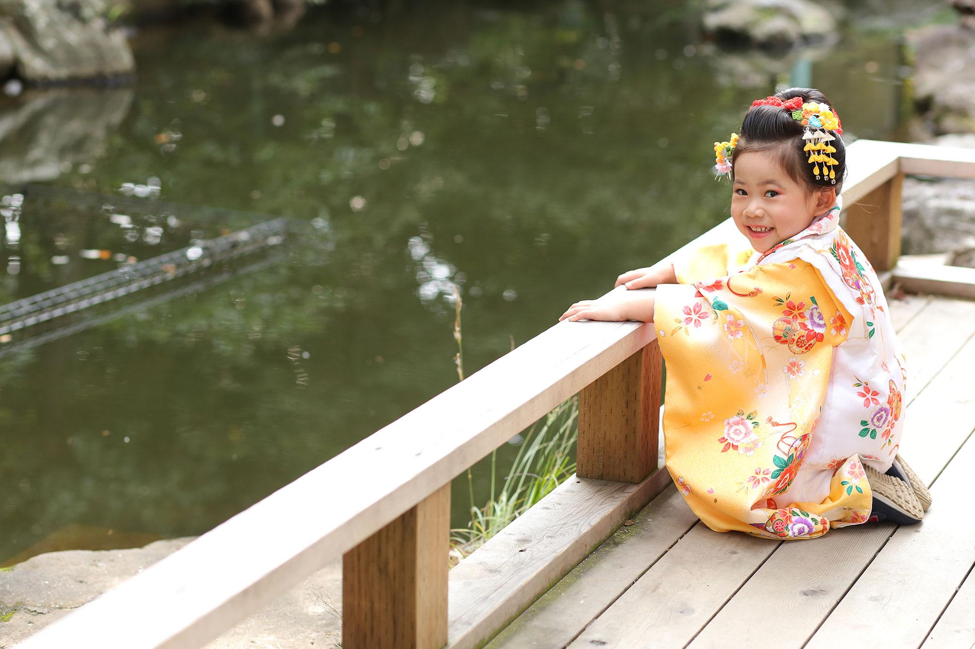 わらび神社の池