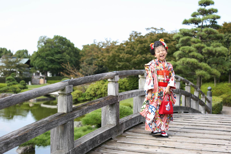 日本庭園で七五三の出張撮影
