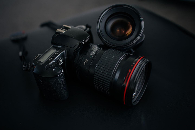 プロフィールにカメラ機材を書いてどうするの?