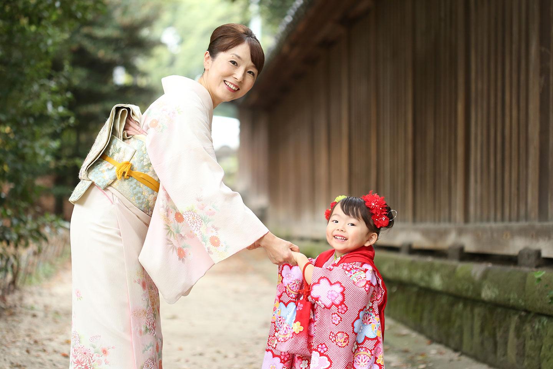 着物のママと被布の女の子2