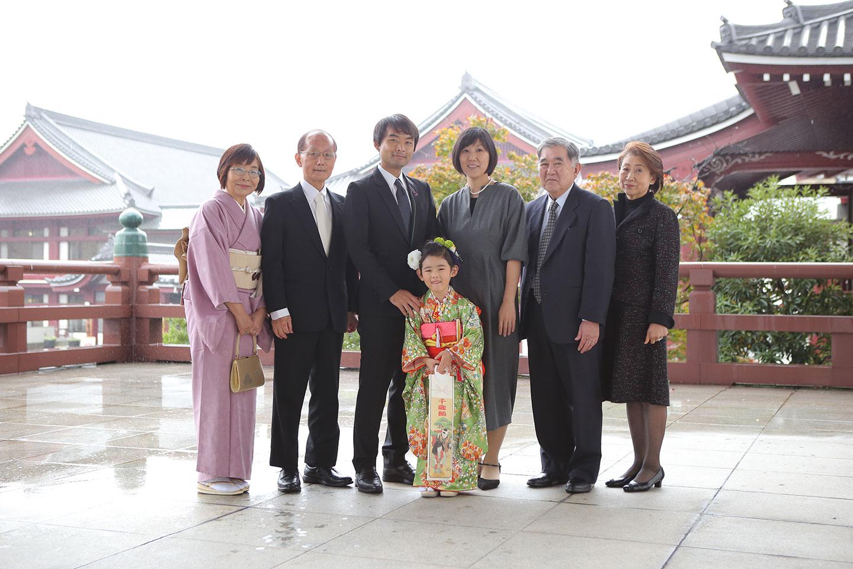 増上寺の大殿で集合写真