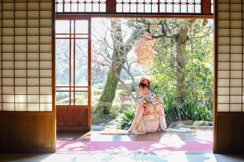 庭園で成人式の撮影 / 埼玉県