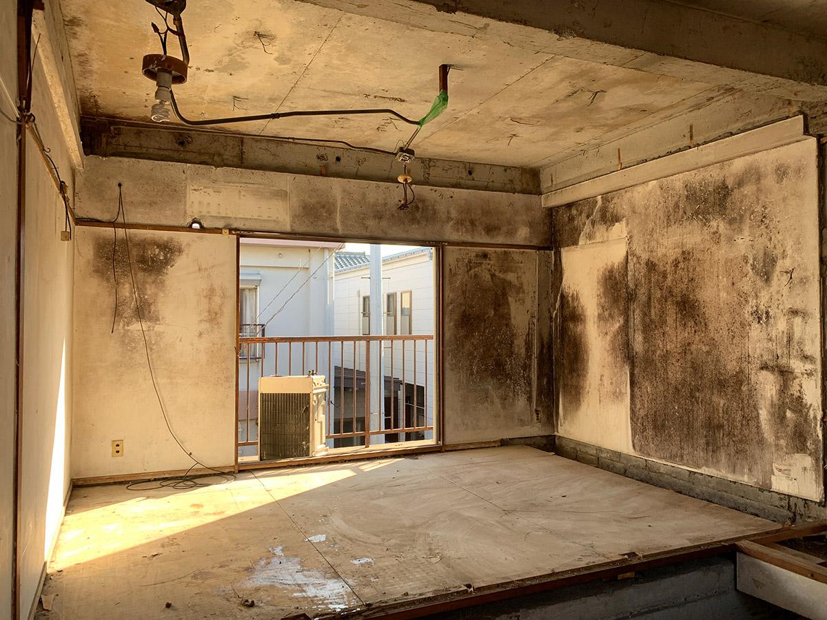 写真館の工事で壁の汚れが酷い場合