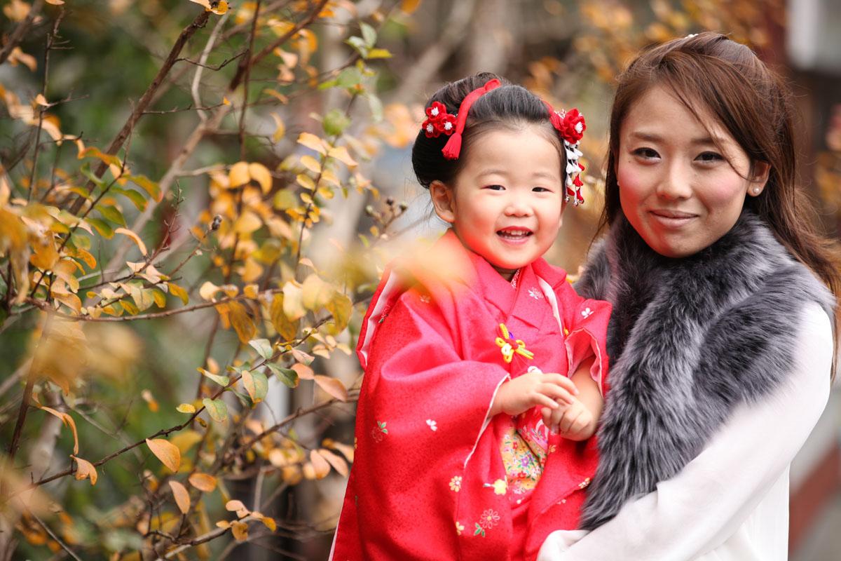 秋を感じる ママとの記念写真