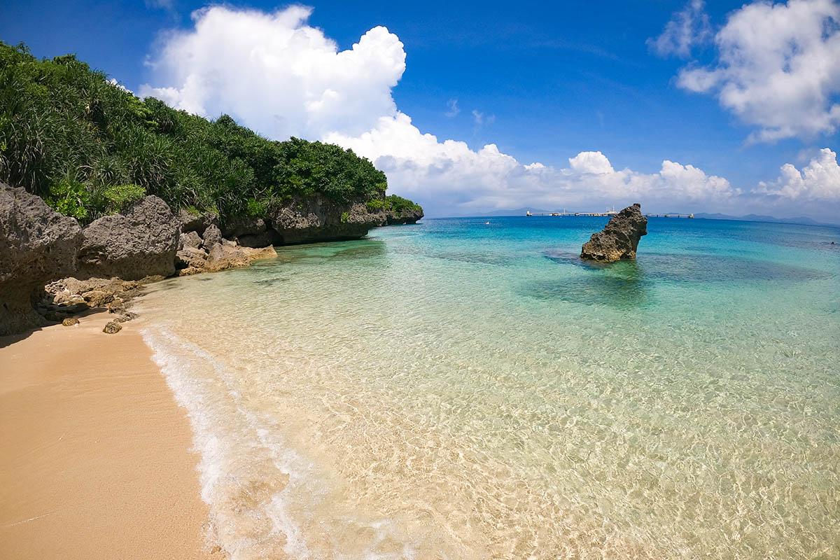 沖縄の離島にあるトンナハビーチ
