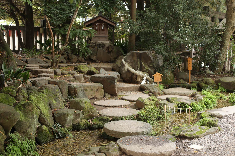 川越氷川神社の小さな庭園