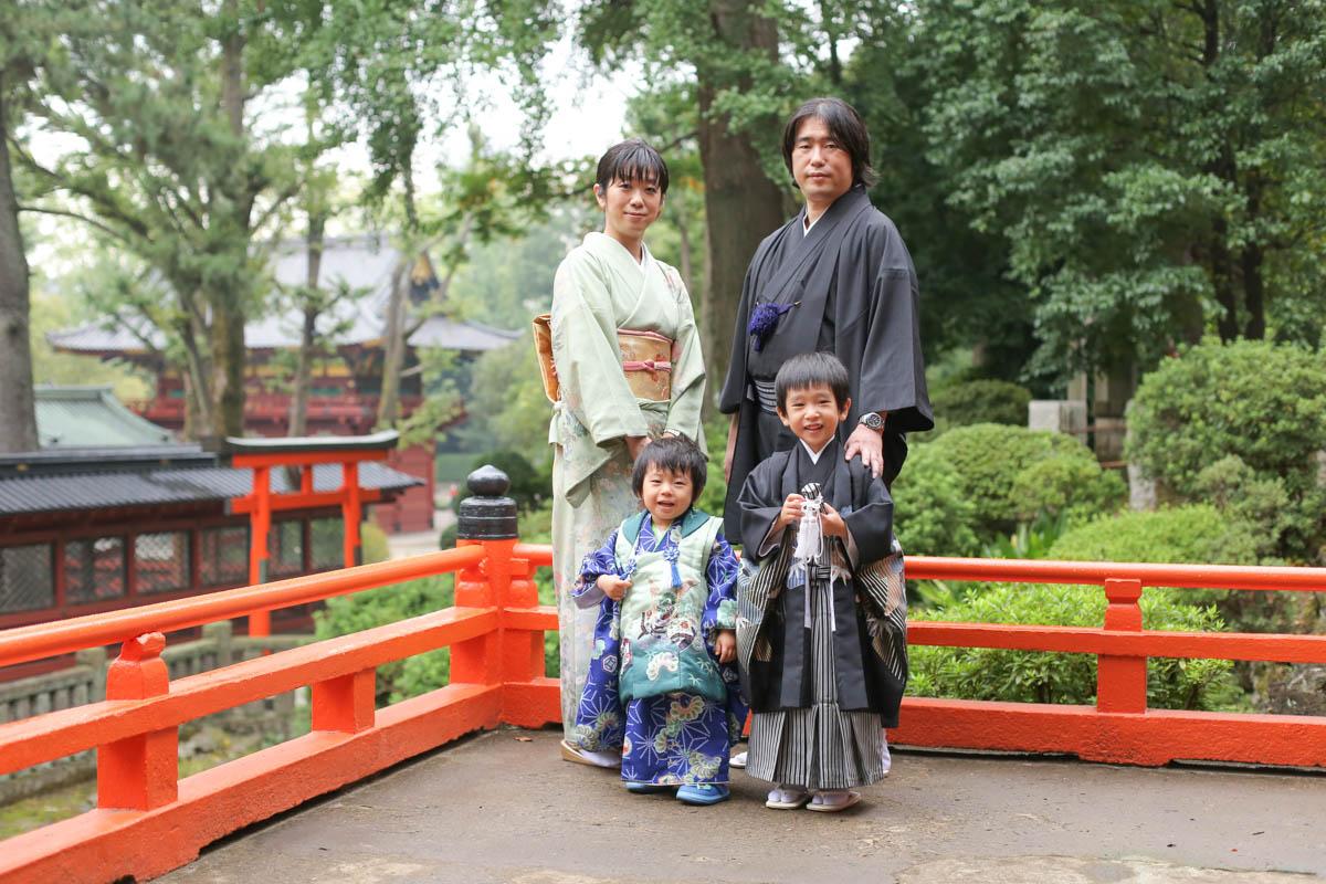 雨の日の七五三撮影 根津神社で出張撮影