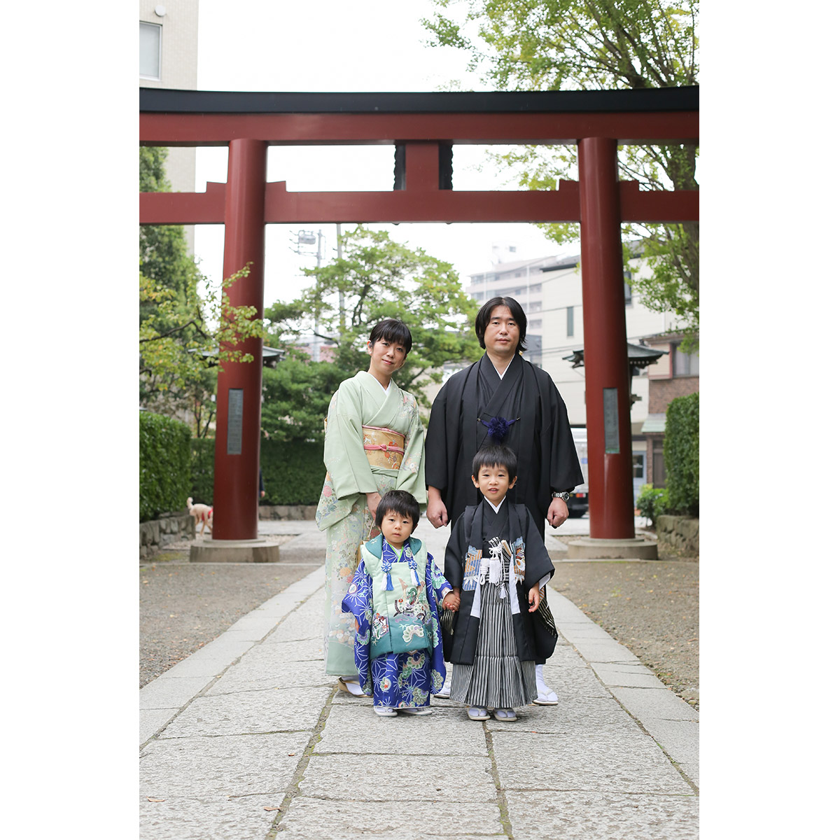 家族全員で着物を着用 根津神社