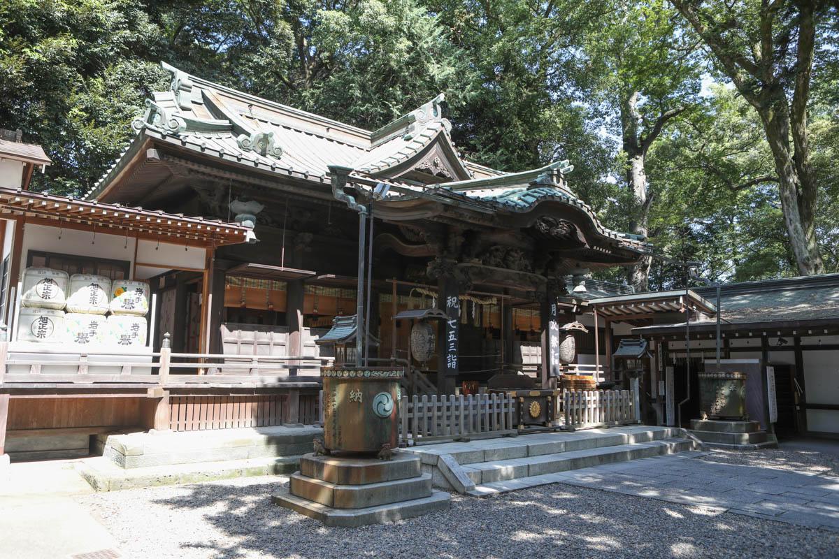 調神社の本殿(拝殿)