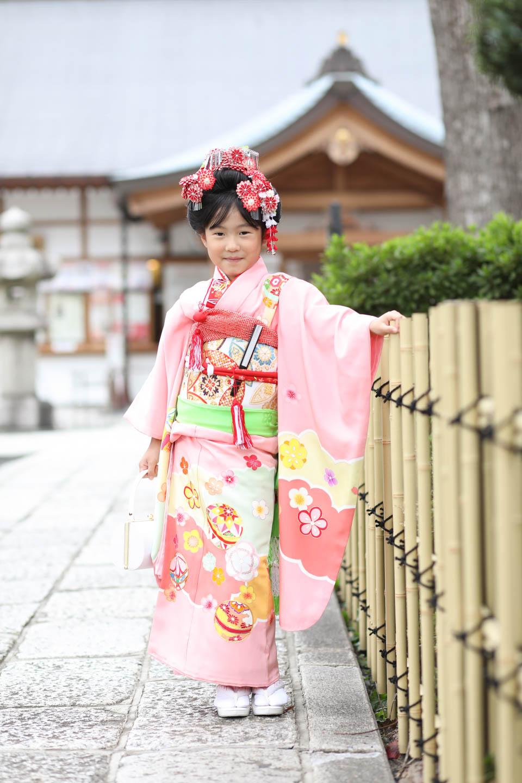 松陰神社に出張撮影 7歳女の子の立ち姿