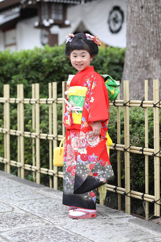 松陰神社に出張撮影 4歳女の子の立ち姿