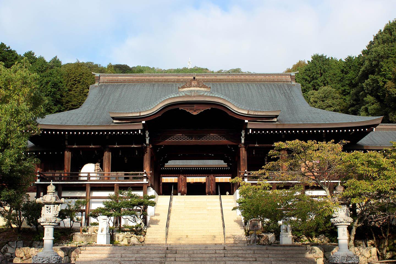 近江神宮 本殿