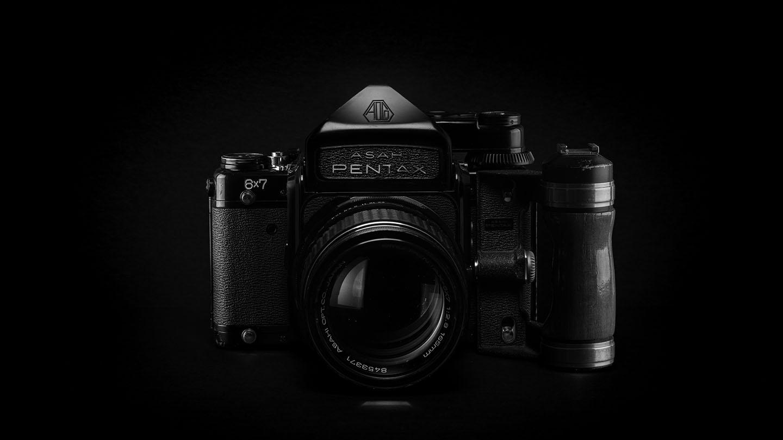 白黒のビンテージカメラ